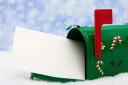 Holiday Card Etiquette: Sending Cards That Don't Embarrass Yourself